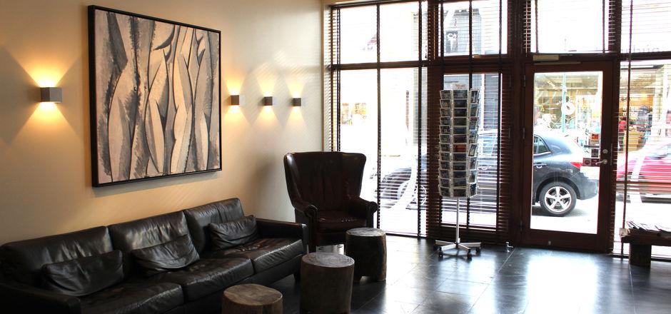 hotel_fron_lobby