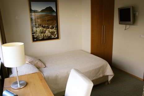 hotel_fron_single_room